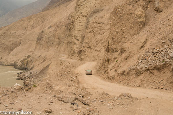 the-kkh-between-gilgit-and-besham-the-only-really-bad-part-of-the-whole-stretch-_