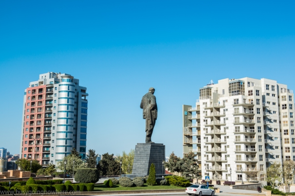 Larger than life statues in Baku. Here the statue of Nariman Narimanov